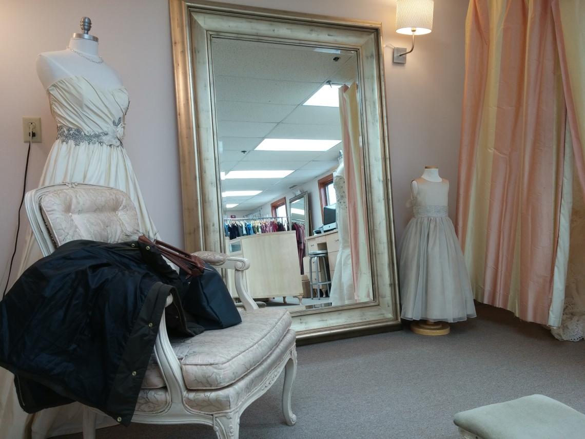 wedding-dress-shopping-iv